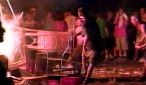 woodstock 1999 bonfires and riots