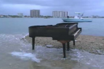 piano on island